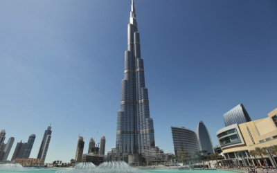 The Burj Khalifa, the world's tallest tower at a height of 828 metres (2,717 feet), stands in Dubai March 5, 2012. REUTERS/Mohammed Salem (UNITED ARAB EMIRATES - Tags: SOCIETY CITYSPACE) - RTR2YV3I