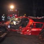 Wypadek w Kuklówce. Czołowe zderzenie tira z osobówką