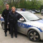 Pruszkowscy policjanci uratowali człowieka z pożaru