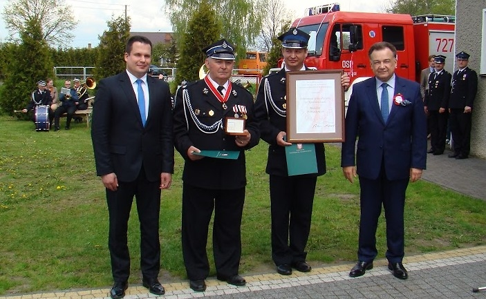 Strażacy z Miedniewic z medalem Pro Masovia