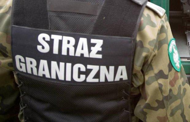14.05.2008 OKOLICE BUDZISKA , POLSKO - LITEWSKA GRANICA , PATROL STRAZ GRZNICZNA   NZ. SAMOCHOD OBSERWACYJNY WYPOSAZONY W KAMERE NA PODCZERWIEN I DO SWIATLA SZCZATKOWEGO   FOT. RAFAL SIDERSKI / AGENCJA GAZETA