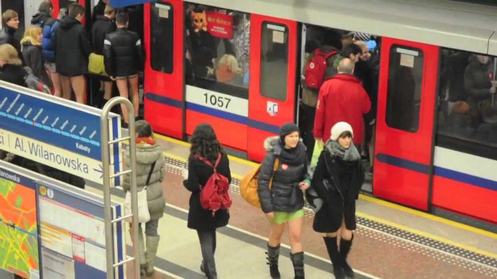 miedzynarodowy-dzien-jazdy-metrem-bez-spodni-warszawa-2017