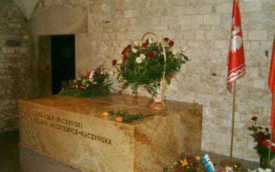 przeniesienie-grobu-kaczynskich-petycja-referendum