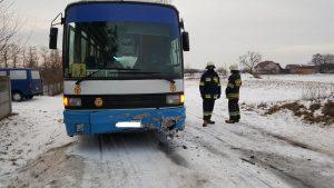 wypadek-szkolnego-autobusu-wola-miedniewska-4