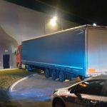 Tragedia w Jawczycach. Kierowca zmarł w ciężarówce [FOTO]
