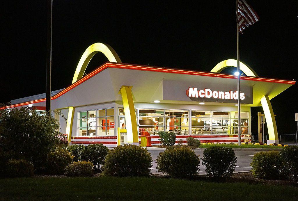 mcdonalds-dostawa-na-telefon
