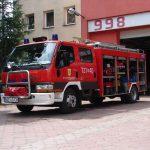 W Żyrardowie ktoś oblał dom jednorodzinny łatwopalną substancją i go podpalił