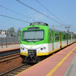 Będą pociągi podczas remontu linii podmiejskiej! Ale tylko z Grodziska do Warszawy, bez zatrzymywania [ROZKŁAD JAZDY]