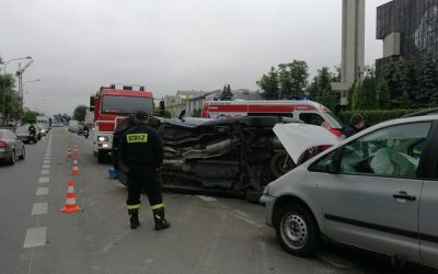 wypadek-ozarow-seat-sierpien-2017