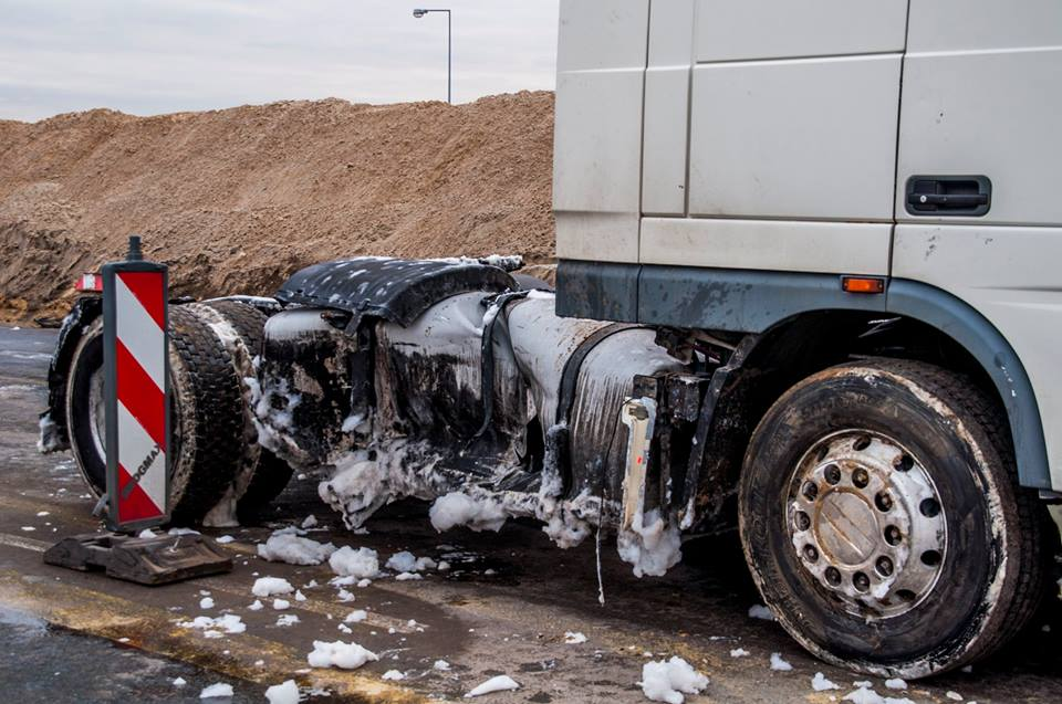 wypadek-bus-tir-trasa-katowicka-4