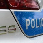 Ożarów: udawali policjantów. Zwabili człowieka do samochodu, ukradli mu portfel, dokumenty, pieniądze i telefon