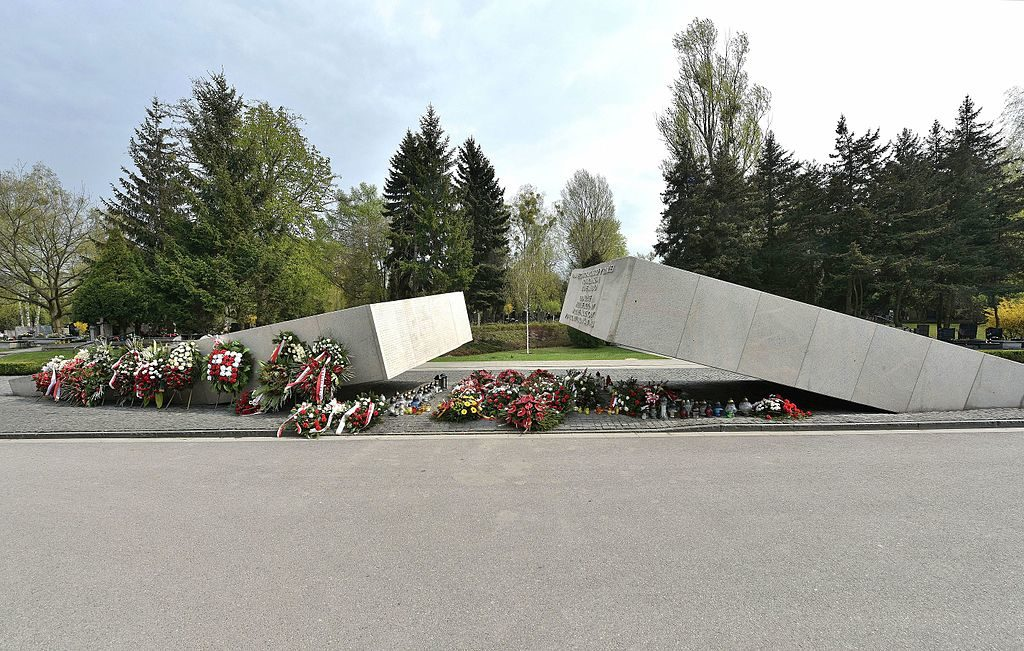 pomniki-smolenskie-warszawa