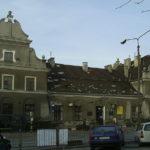 W Pruszkowie ogromny dźwig runął na pawilony handlowe