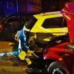 Błonie: 20-latek nie zachował ostrożności, staranował trzy samochody [FOTO]