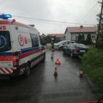 Mnóstwo wypadków w Żyrardowie i okolicach. Autobus przewożący dzieci zderzył się z osobówką