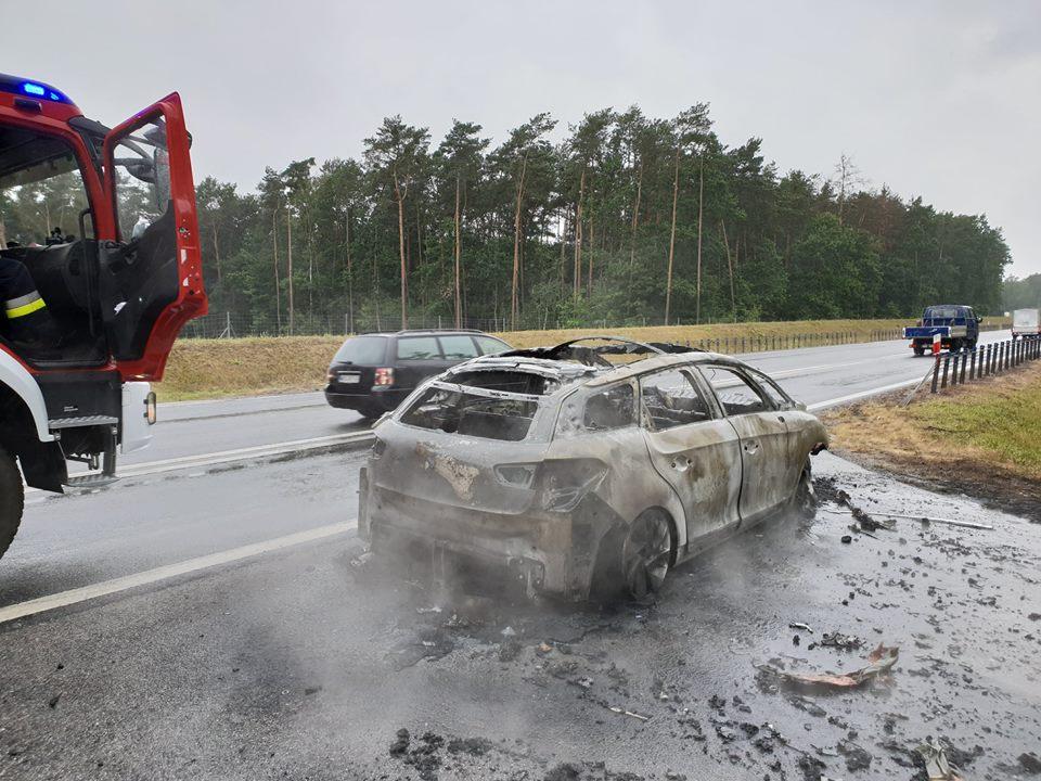 pozar-samochodu-obwodnica-zyrardowa-3