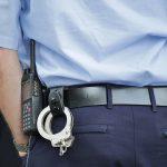 Sąsiedzka awantura w Ożarowie. Pijana i wulgarna 36-latka trafiła do policyjnej celi