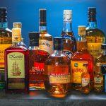 Pozamieniali metki na butelkach z alkoholem, teraz mają problem