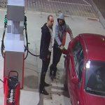Rozpoznajesz tych mężczyzn? Zgłoś to na policję! Są podejrzani o kradzież ponad 260 litrów paliwa [FOTO]