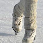 Świąteczne kalorie spal na lodowisku w Ojrzanowie [GODZINY OTWARCIA, WYPOŻYCZALNIA]
