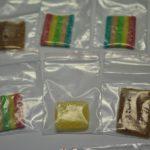 Żelki z LSD w urzędzie pocztowym. Poczęstowały się nimi trzy osoby, trafiły do szpitala