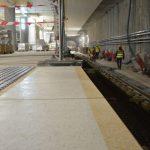 Budowa metra na Woli wkracza w kolejny etap. Gotowe są już wyjścia, układają posadzki na peronach!