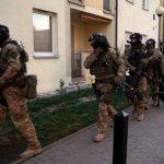 Spektakularne zatrzymanie członków gangu kradnącego samochody w Warszawie i okolicach [FOTO, WIDEO]