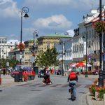 Majówka w Warszawie: Festiwal Europejski, wraca Multimedialny Park Fontann. Będą tańce, dużo pysznego jedzenia i atrakcje dla dzieci