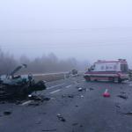 """Dwie śmiertelne ofiary po wypadku na obwodnicy Mszczonowa. Kolejne zderzenie auta osobowego z ciężarówką na krajowej """"pięćdzisiątce"""", dachowanie na autostradzie"""