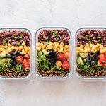 Catering dietetyczny a regularność posiłków [ART. SPONSOROWANY]