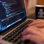 Studia informatyczne – 5 powodów, dlaczego warto je wybrać [MAT. PARTNERA]